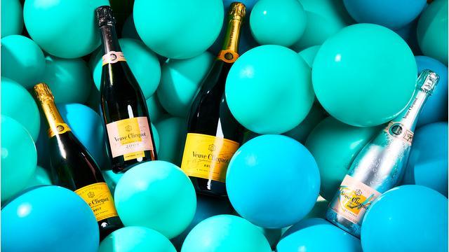 Champagner zum Anstoßen